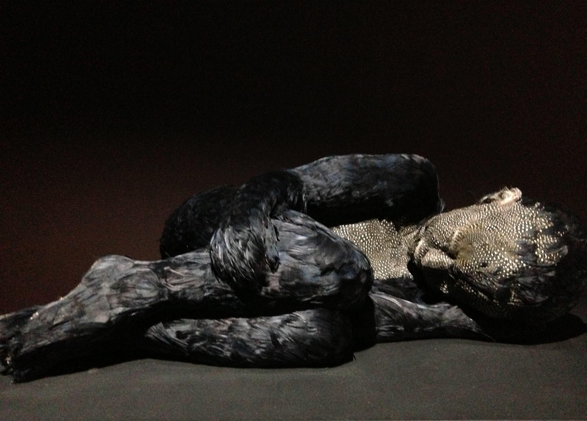 Feather child 2- Jesmonide, cire et plume (faisan et oie) - Courtesy de l'artiste et de la galerie Da-end